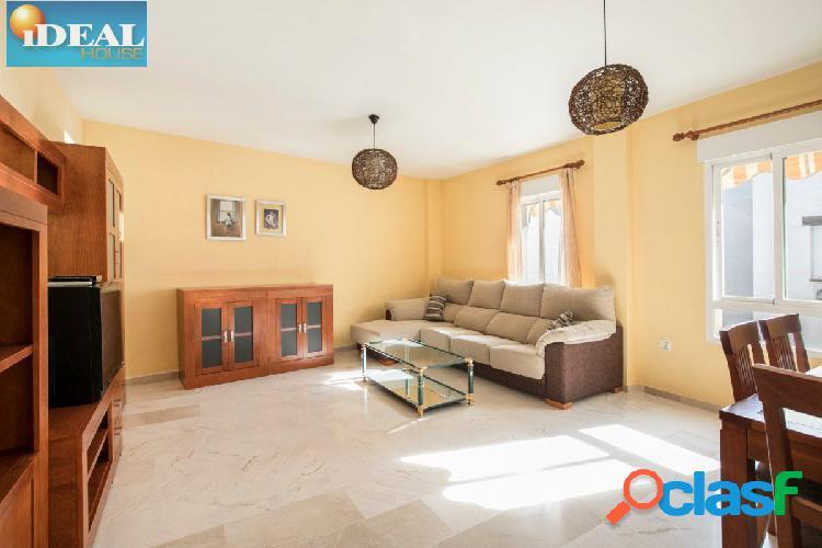 A6589D7. PISO EN EL CENTRO DE LA ZUBIA. www.idealhouse.es 2