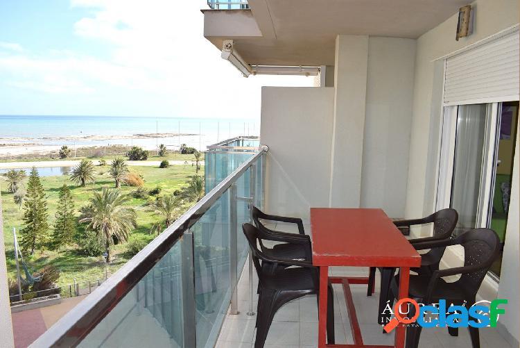 Precioso apartamento de 1 dormitorio frente al mar, en la manga del mar menor