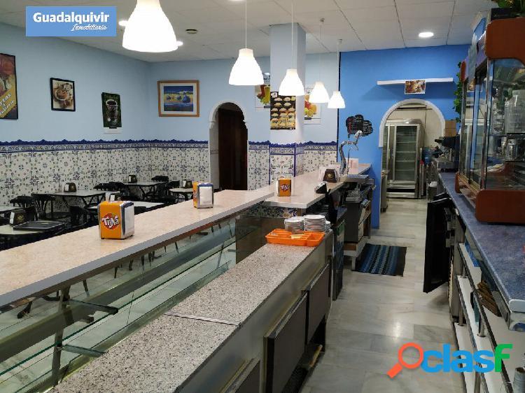 Oportunidad: local con negocio de cafetería pastelería totalmente equipada. paga solo el local