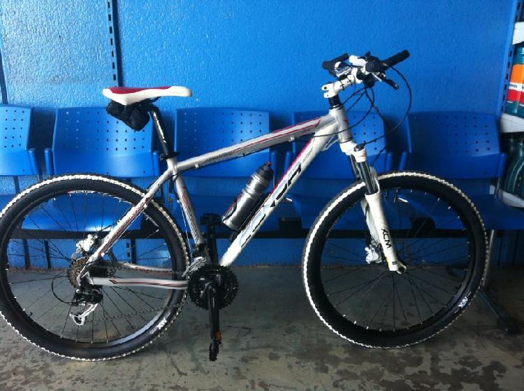 Bicicleta mountain bike conor 8500