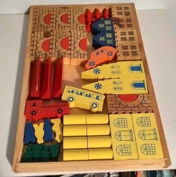 Juego piezas madera