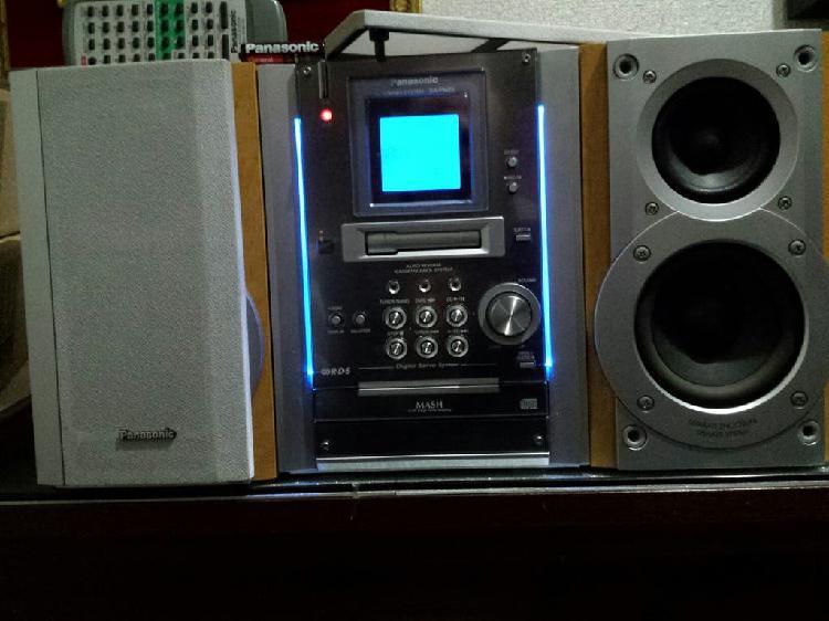 Minicadena entrada móvil equipo sonido altavoces