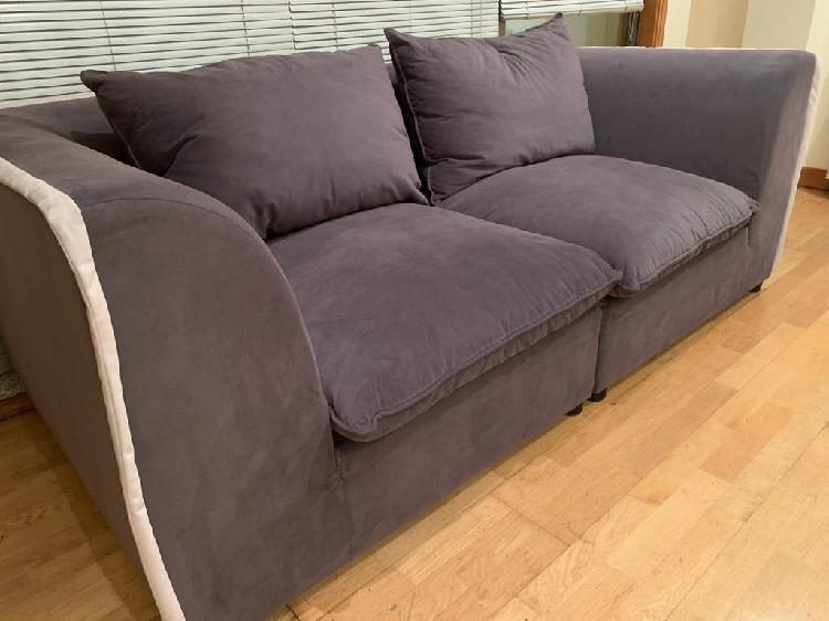 Sofa acomodel