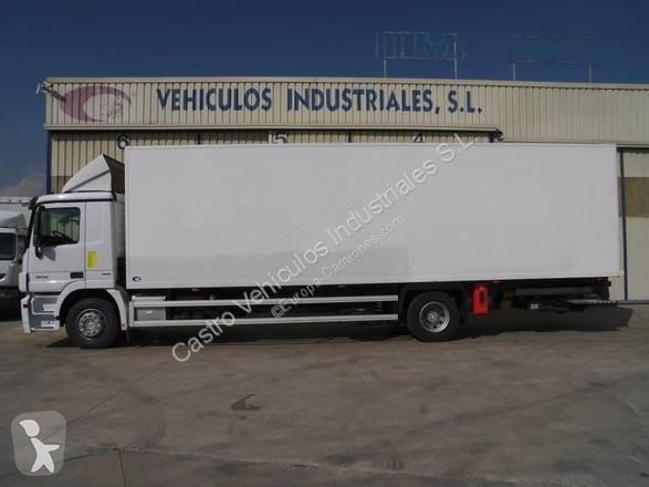 Camión mercedes furgón actros 1836 4x2 diesel euro 5 rampa