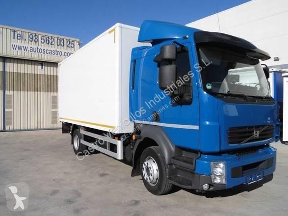 Camión volvo furgón fl 240 4x2 euro 5 rampa elevadora