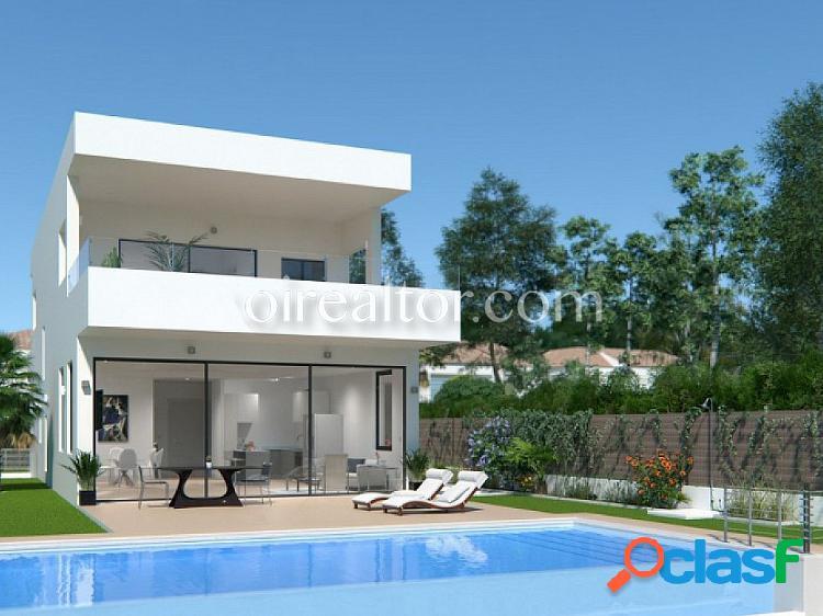 Villa en venta en Atalaya, Estepona, Málaga