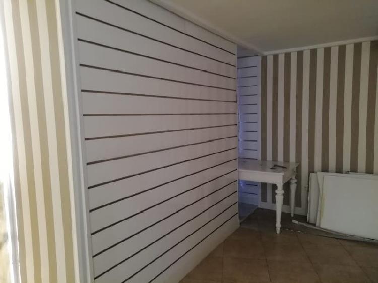 20 paneles estanteria tienda de ropa