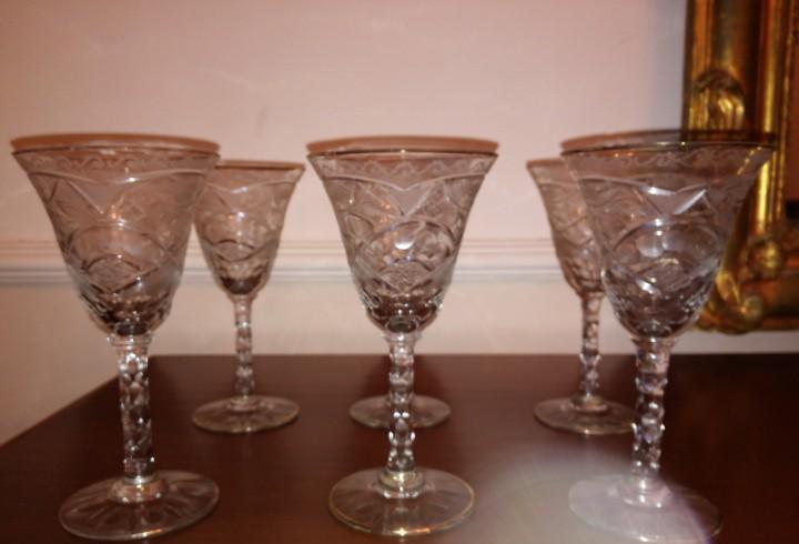 6 antiguas copas de cristal tallado