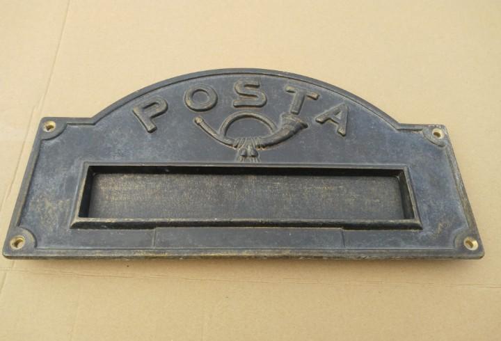 Buzon de correos en bronce buen estado medidas: 34 x 18cm.