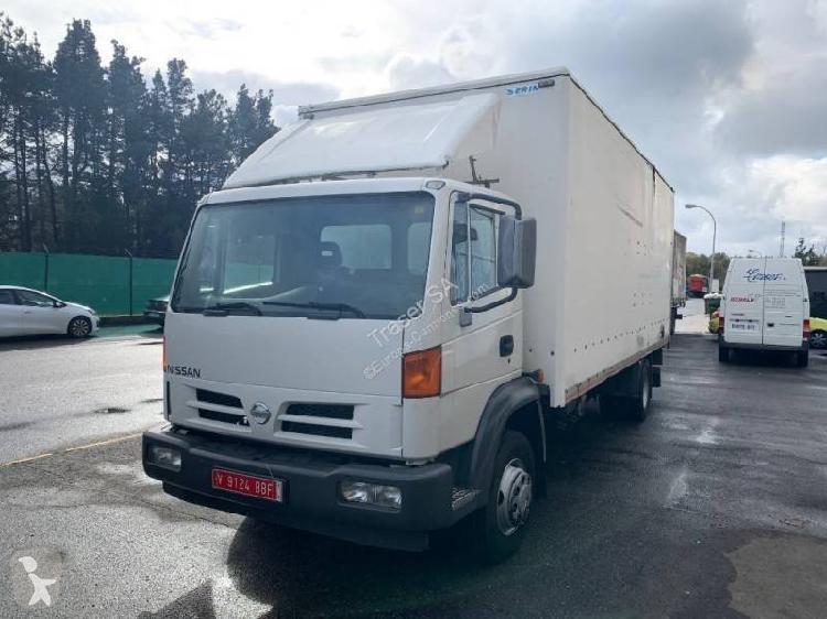 Camión nissan furgón atleon 150.21 4x2 diesel euro 3 rampa