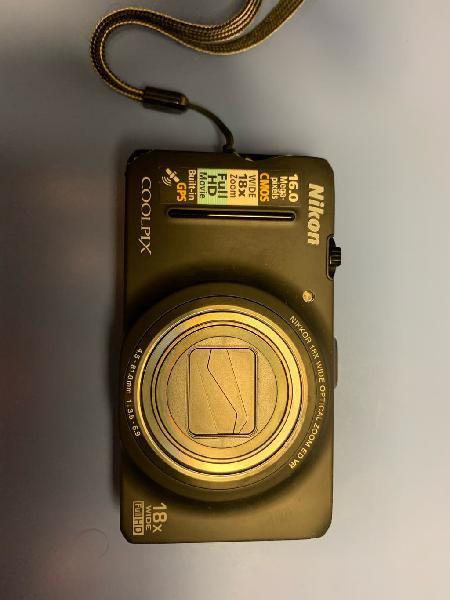 Cámara de fotos nikon coolpix s9300