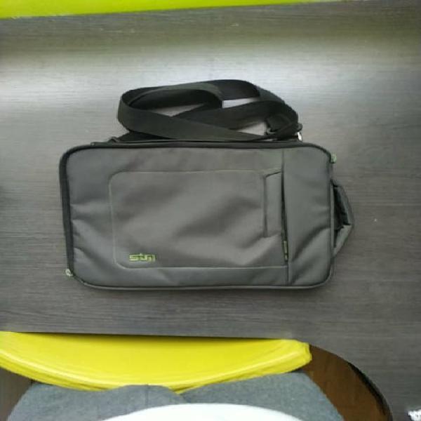 Cómodo bolso para llevar tu tablet o tu portátil a