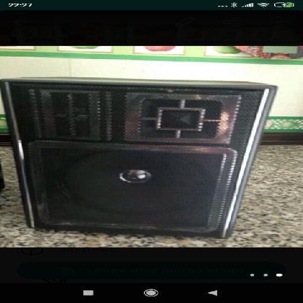 Radio cassette marca aiwa estéreo