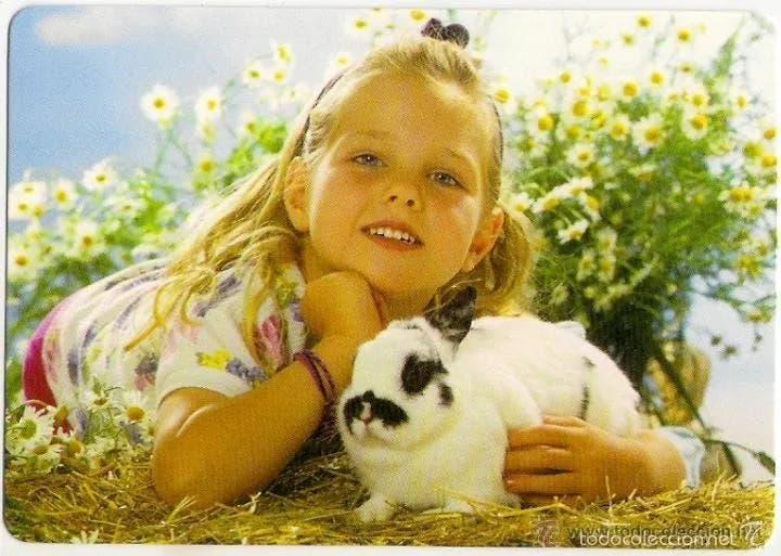 Se ofrece chica como canguro/niñera/animales