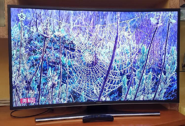 Televisor curvo samsung 40ju6500 4k uhd smart tv.