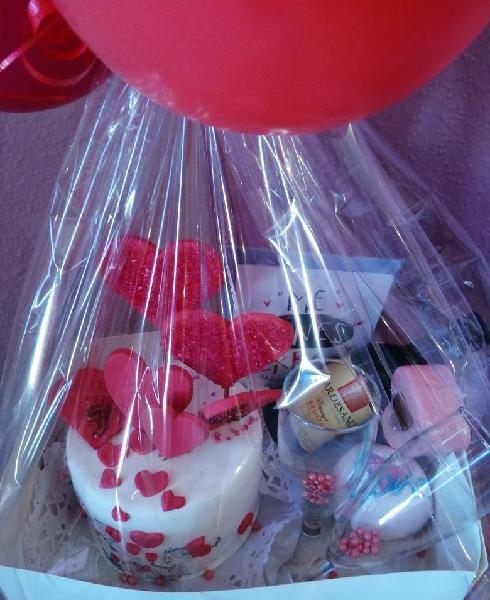 Cajas san valentín, tartas personalizadas y más