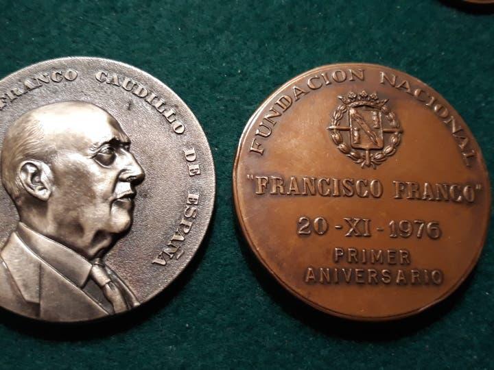 Medallón moneda francisco franco 1966,aniversario