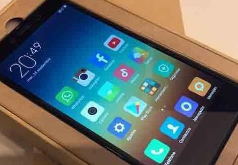 Smartphone en su caja pantalla 5.5 whatsapp, 2 sim