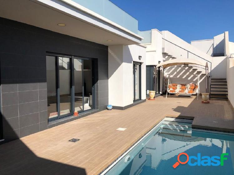 Villa in cabo roig area with swimming pool