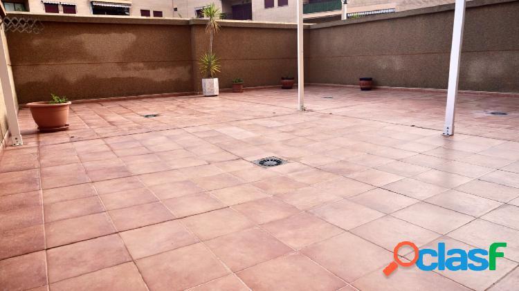 Apartamento EN ALQUILER en Canet Playa - 2 habitaciones, garaje, trastero y piscina comunitaria 2