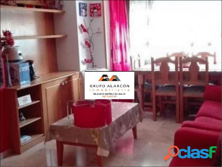 Apartamento de 2 dormitorios en antonio machado