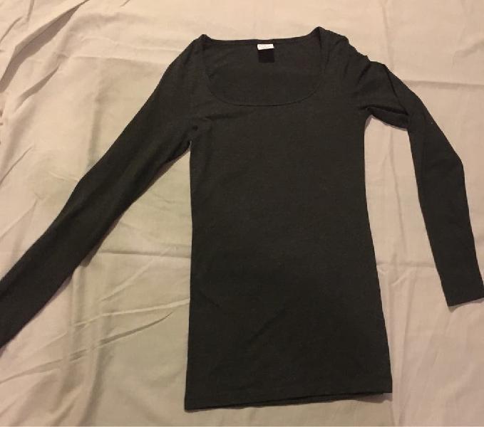 Camiseta básica color gris oscuro