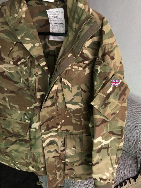Chaqueta militar camuflaje