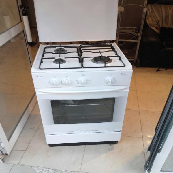 Cocina edesa gas natural muy nueva