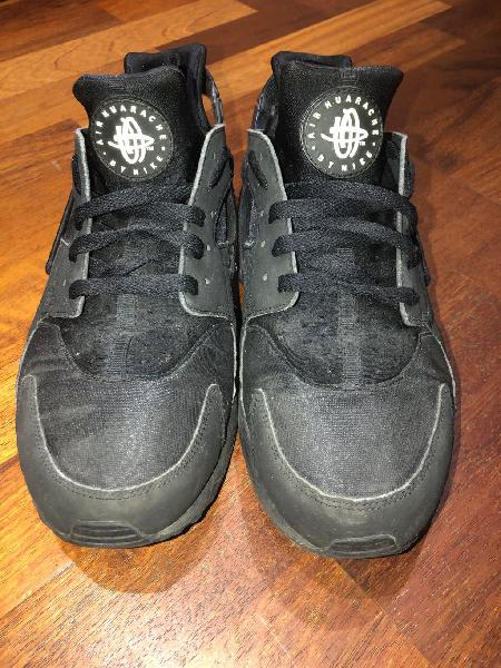 Nike huarache negras (talla 45)