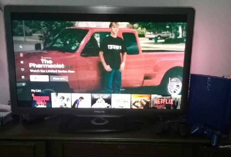 Tv + playstation 3 + 2 mandos