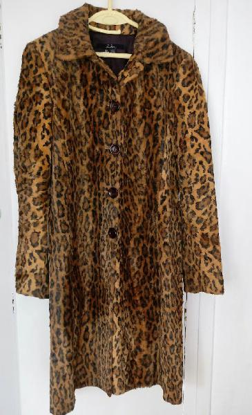 Abrigo de mujer animal print