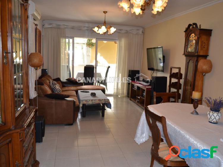 Apartamento de 3 dormitorios y 2 baños para alquiler a largo plazo en san agustín con vista al mar!