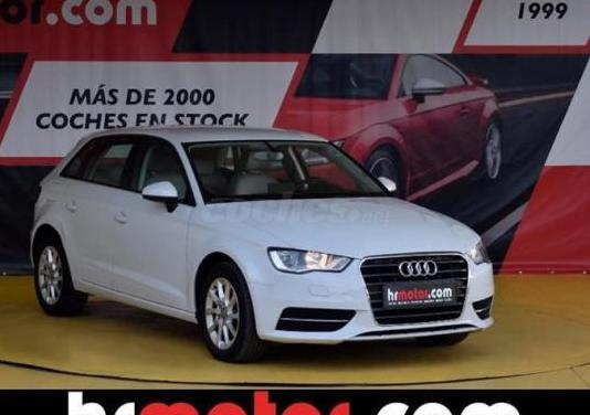 Audi a3 1.6 tdi clean d 110cv s tronic attracted 3