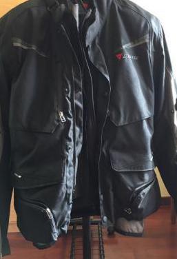 Chaqueta dainese motociclismo talla 52