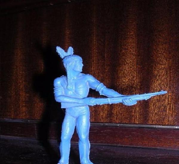 Figurita antigua de indio sin pintar