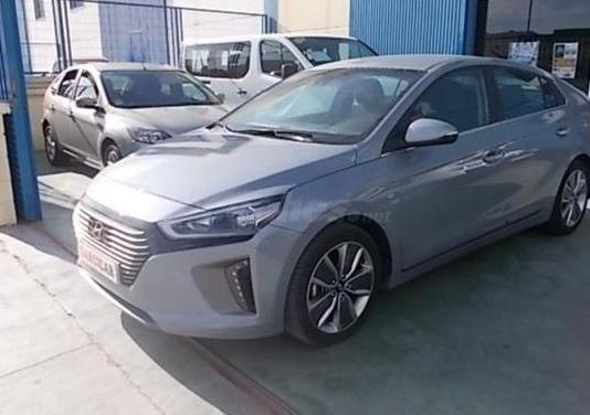 Hyundai ioniq 1.6 gdi hev klass nav dct 5p.