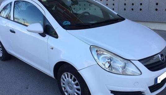 Opel corsa essentia 1.2