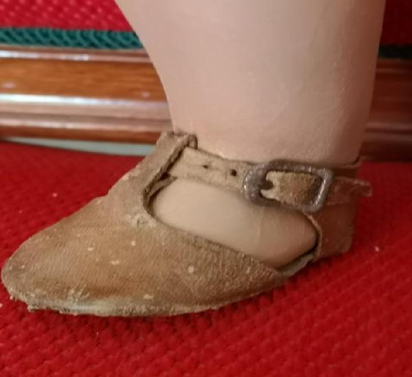 Sandalia de pie izquierdo de mariquita o juanin de juanin