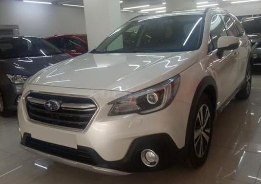 Subaru outback 2.5i executive plus s cvt lineartr.