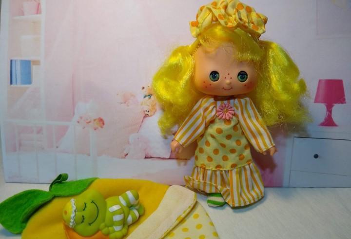 Tarta de fresa tarta de limon dulce sueno durmiente y ranita