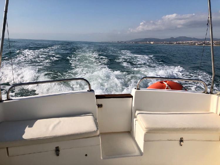 Barco pesca paseo astinor 740 y amarre