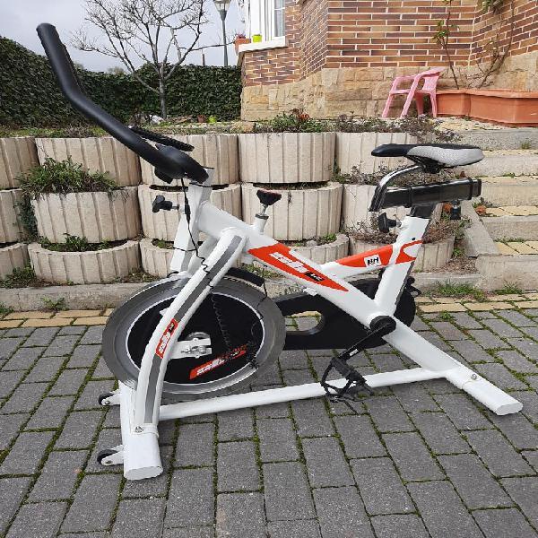 Bicicleta estatica a extrenar
