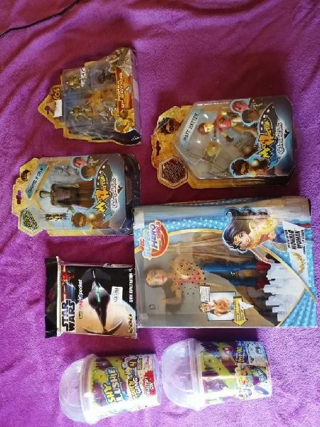 Lote juguetes en su caja