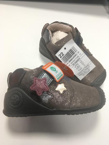 Zapatos biomecanics para bebe niña talla 22