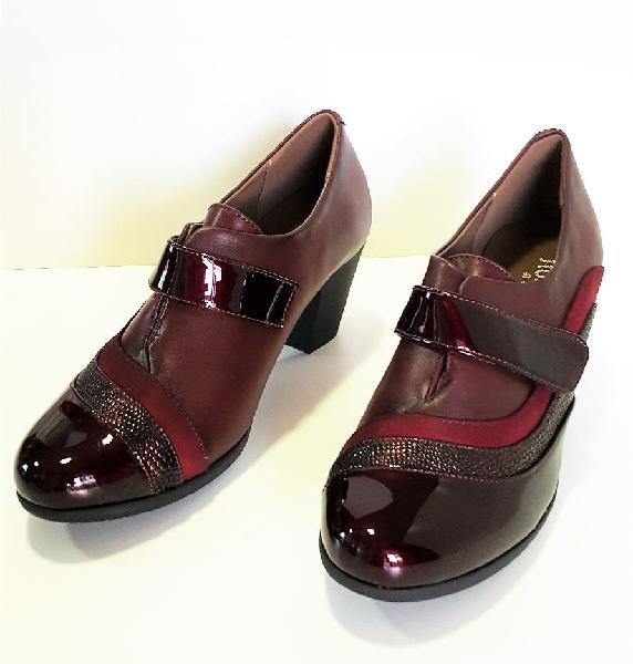 Zapatos de tacón, rojos, talla 39