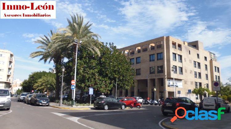 Unifamiliar planta baja de 117m² para reformar zona asilo-plaza reyes catolicos