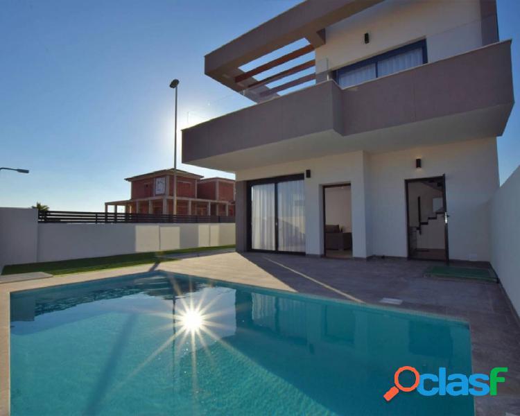 Chalets independientes con piscina privada