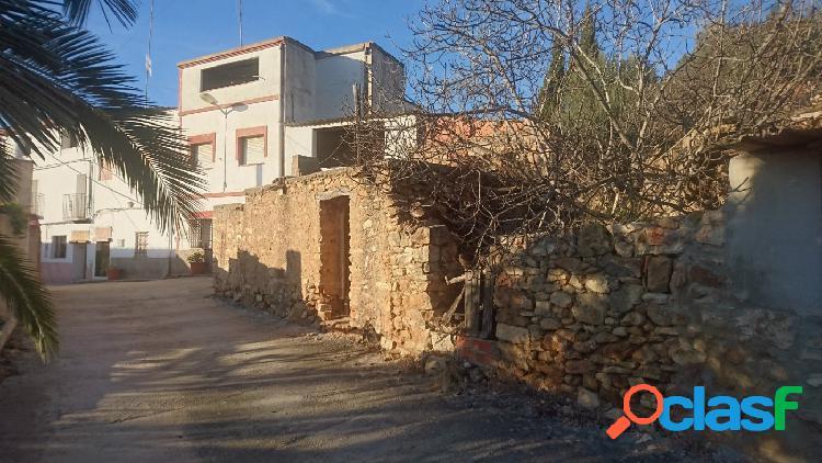 Casa+ dos terrenos venta en vall d'alba, 170 m.casa, terreno olivos 4.000 mt almendros 30.000 mt