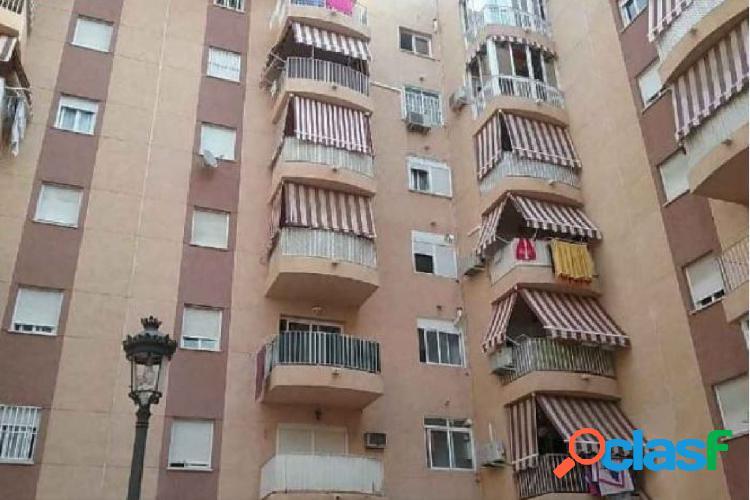 Oportunidad bancaria - piso de tres dormitorios y dos baños en estepona centro - zona norte.