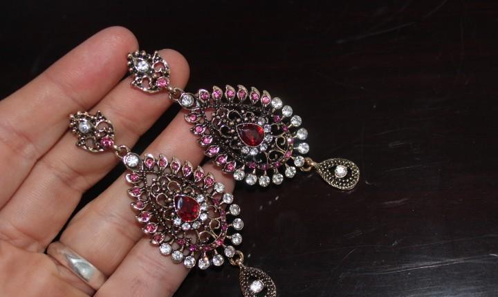 Bellos pendientes etnicos de cristal austriaco y oro rosa